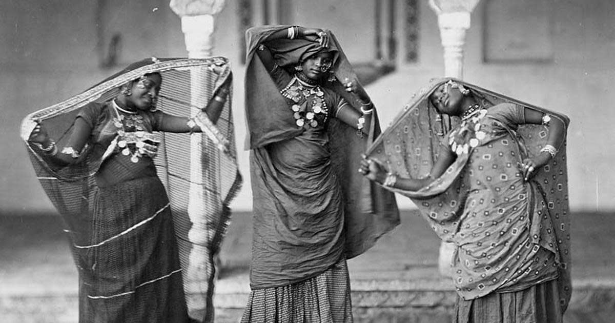 The tawaifs were not only well respected but were also strong-willed independent women who owned lands, properties and were one of the highest taxpayers in British India.