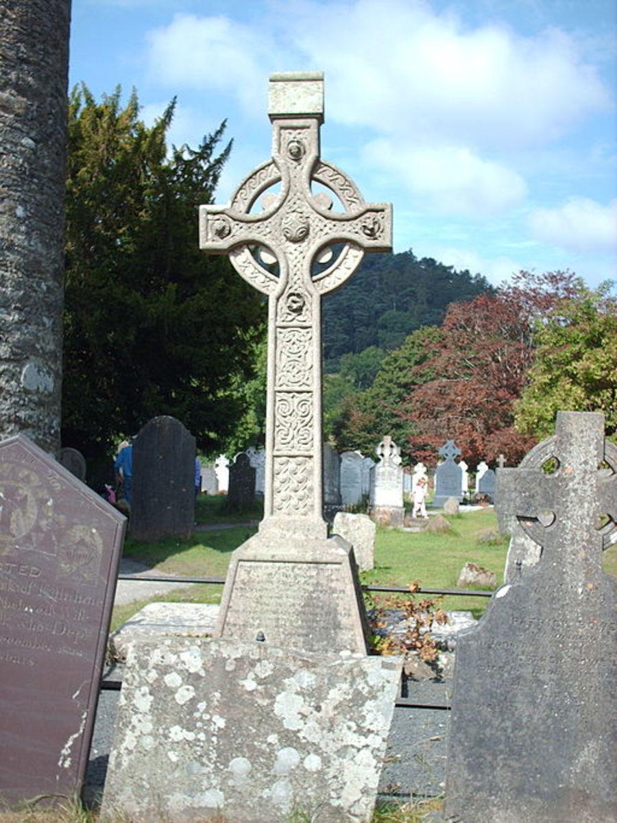 Celtic Cross - ethnic or cultural symbol?  Photo: Stefan Floper
