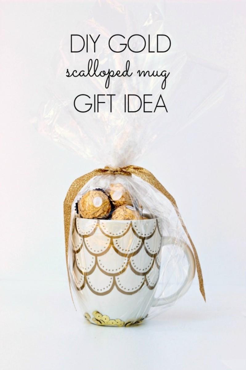 Make an elegant mug gift with metallic sharpies