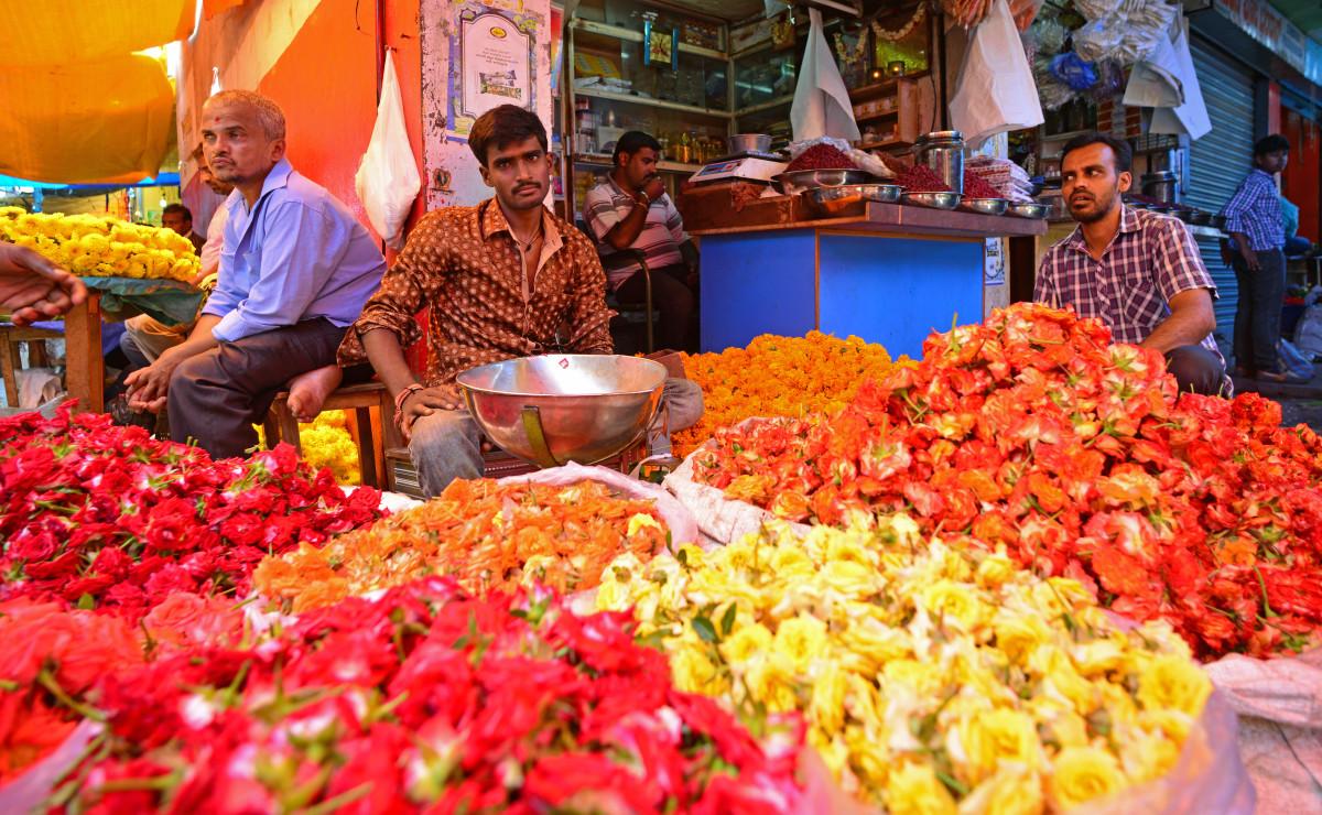Mumbai Dadar Flower Market