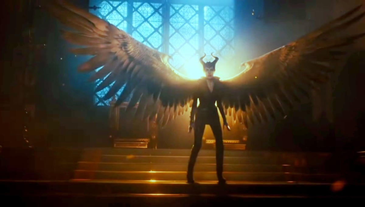 Wings automatically attach with Maleficent.