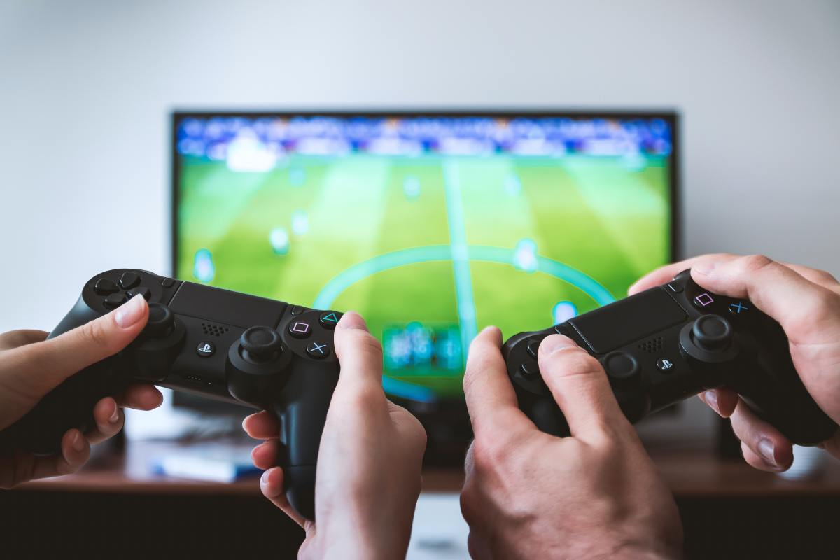 5 Practical and Scientific Benefits of Playing Computer Games