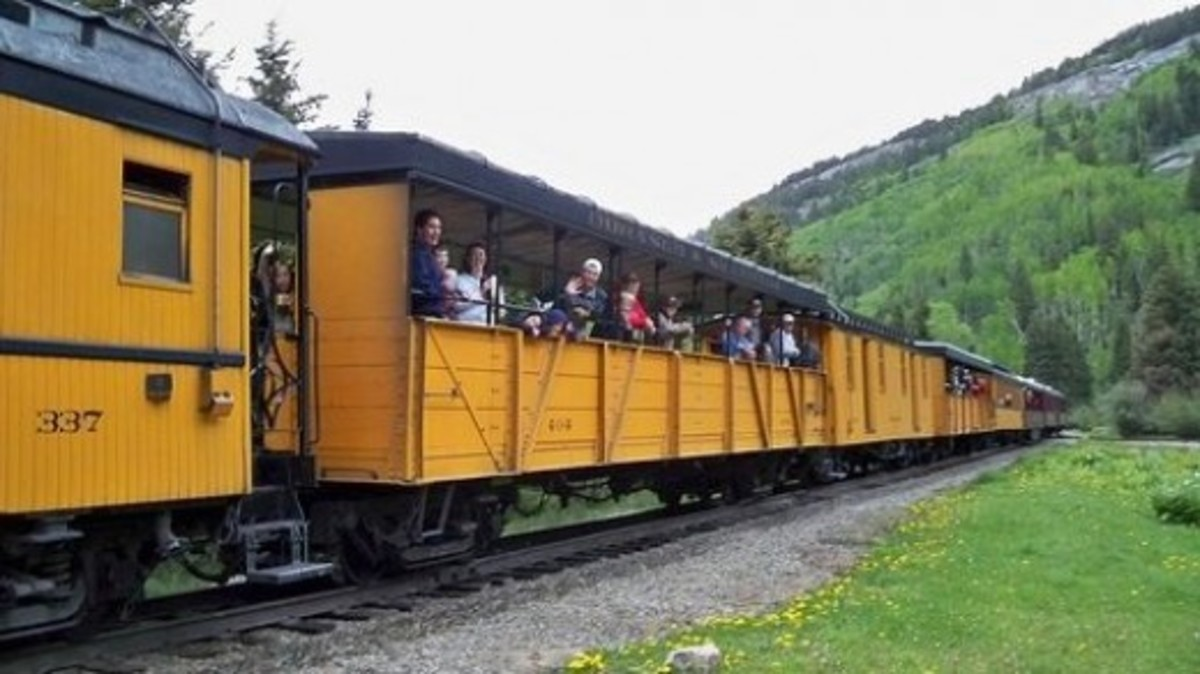 The Durango/Silverton Narrow Gauge Railway stopping at Elk Park, where CT hikers can disembark