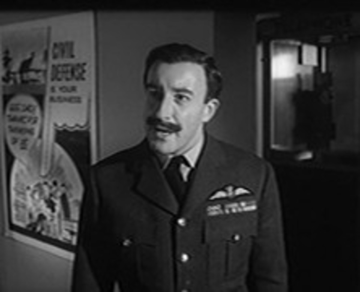 Peter Sellers as Group Captain Lionel Mandrake