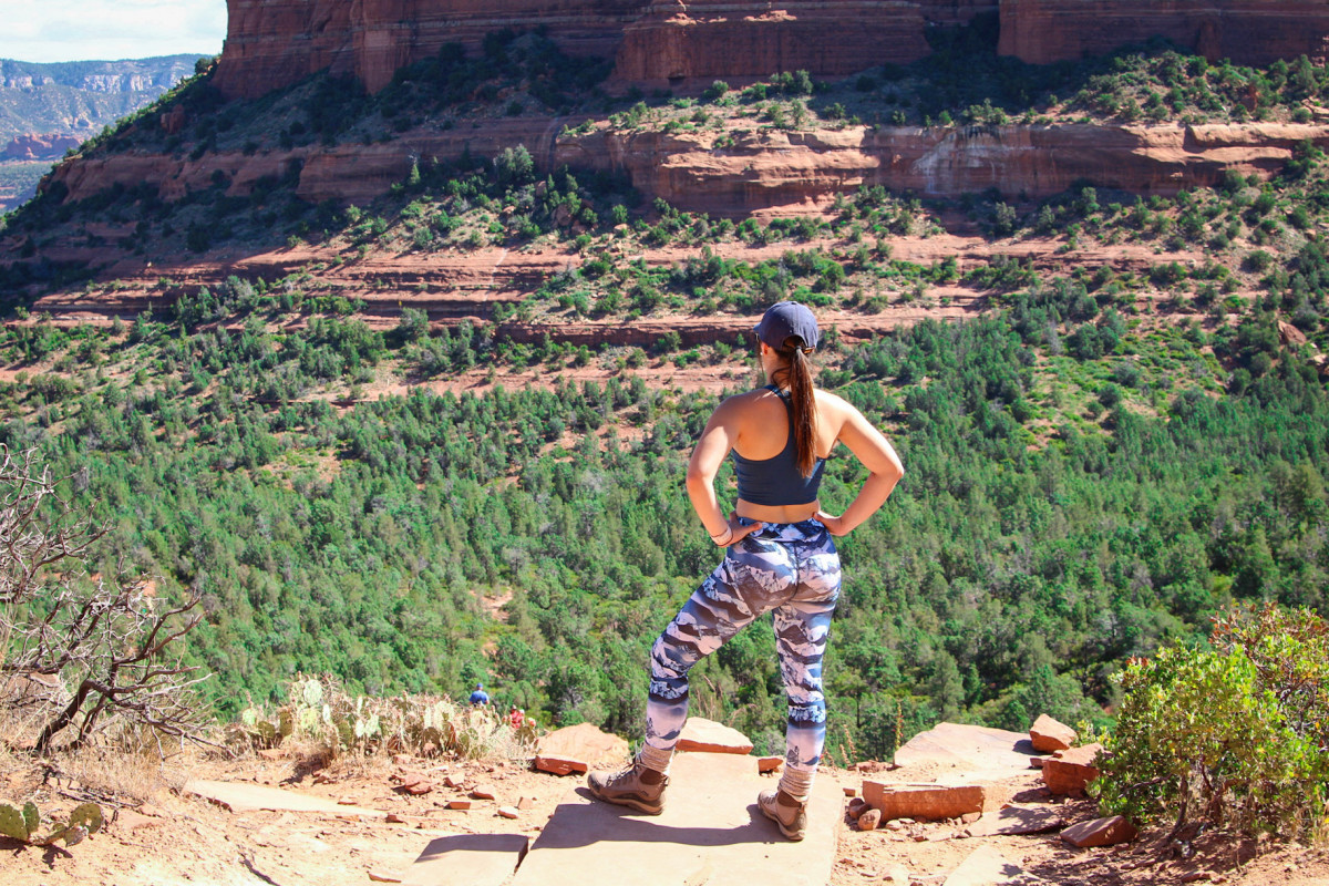 a-sedona-hiking-experience-devils-bridge