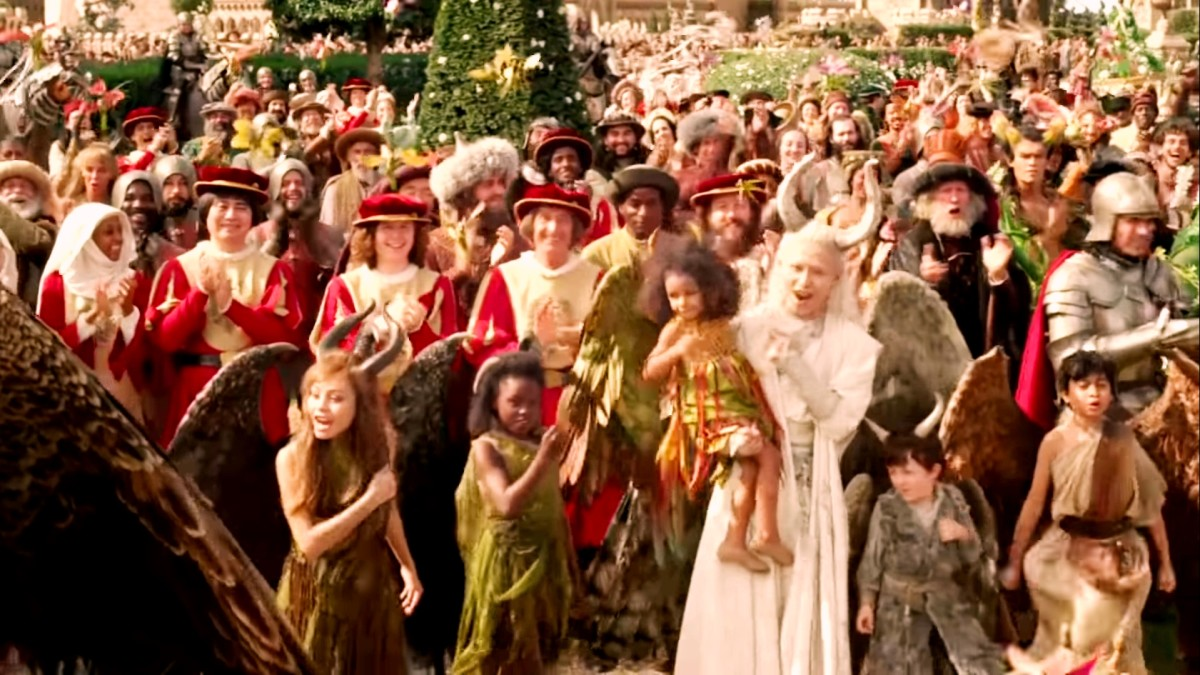 .King was also happy and all peoples and creatures were clapping for them.Here both kingdoms meet.