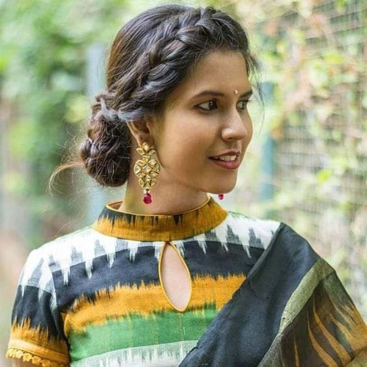 12-different-pakistani-kurti-neck-designs