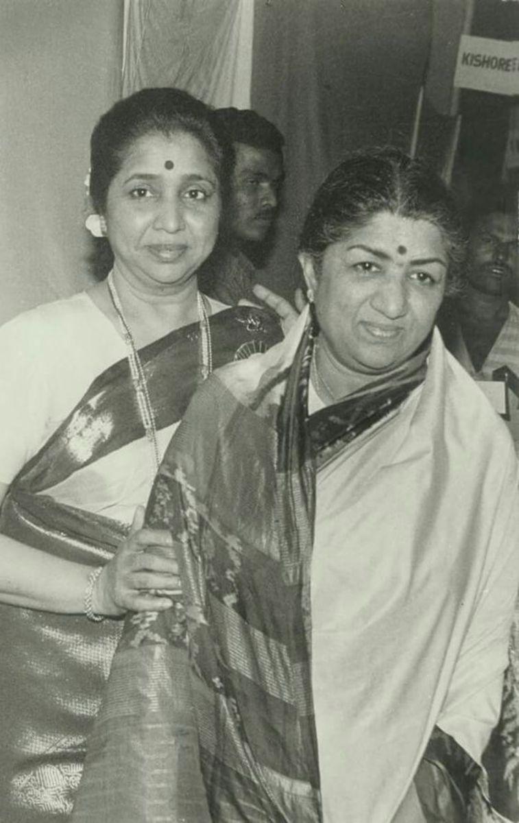 lata-mangeshkar-is-glorified-as-an-indian-nightingale