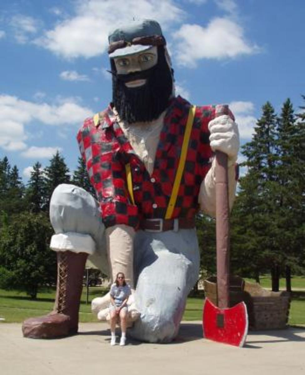 Paul Bunyan statue in MN