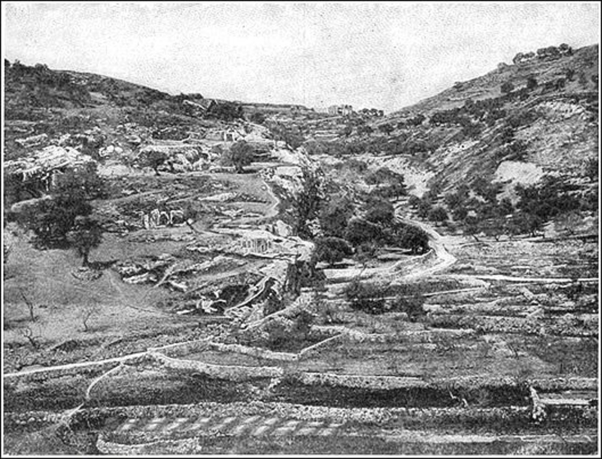 The Valley of  Hinnom, Public Domain