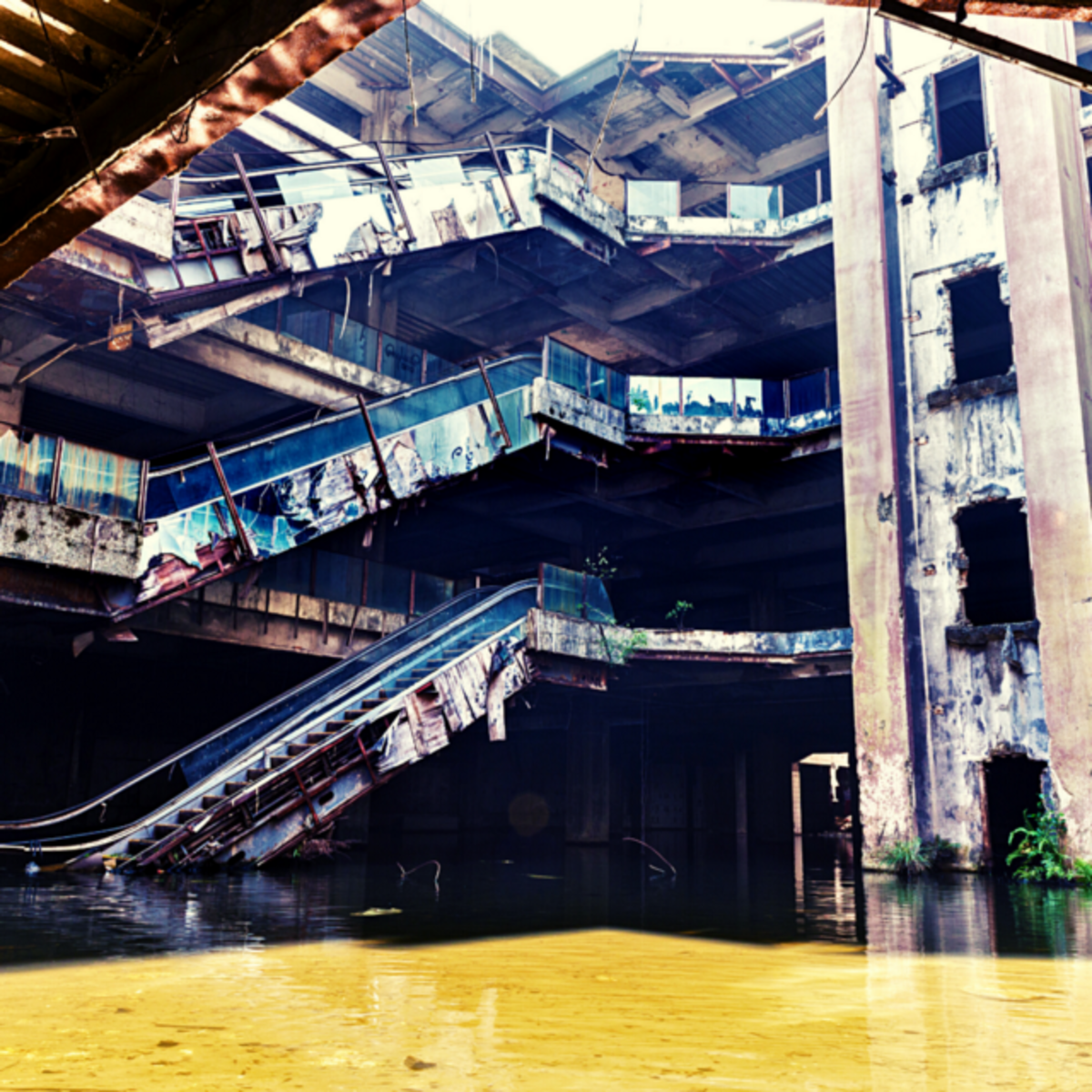10 Abandoned Holiday Destinations With Fascinating Backstories