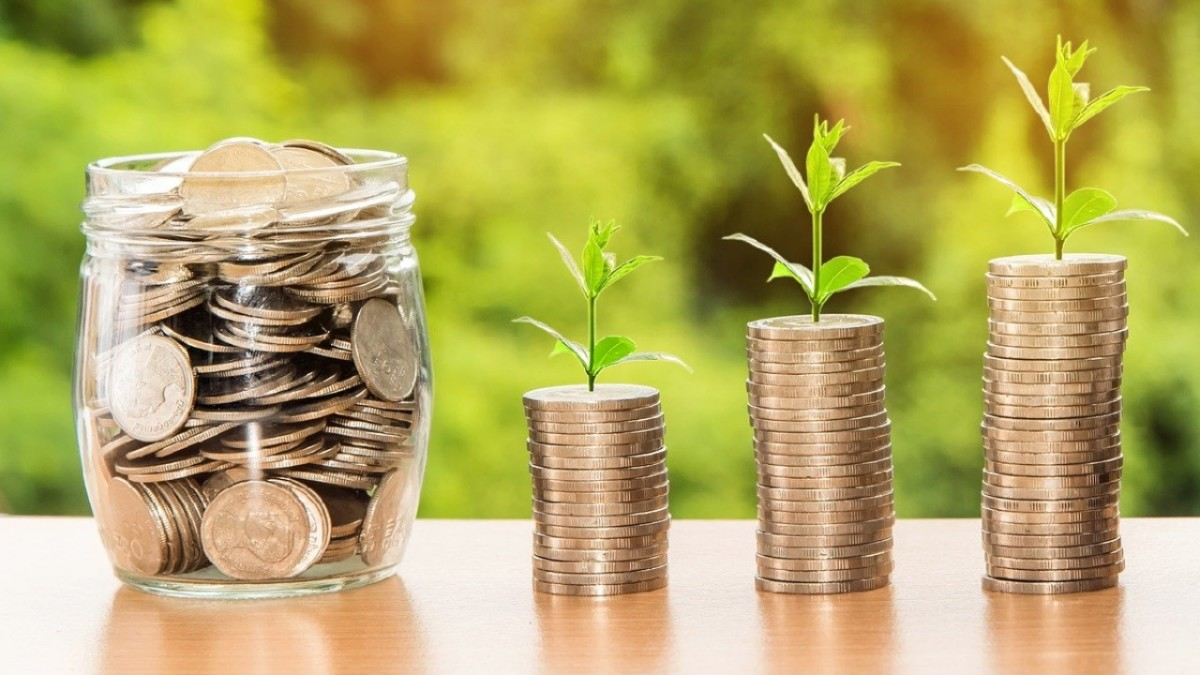 Why Investing Money Is More Important Than Saving It?