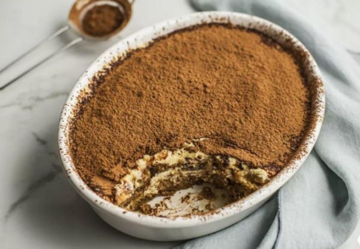 Classic Tiramisu Cake in 10 Minutes