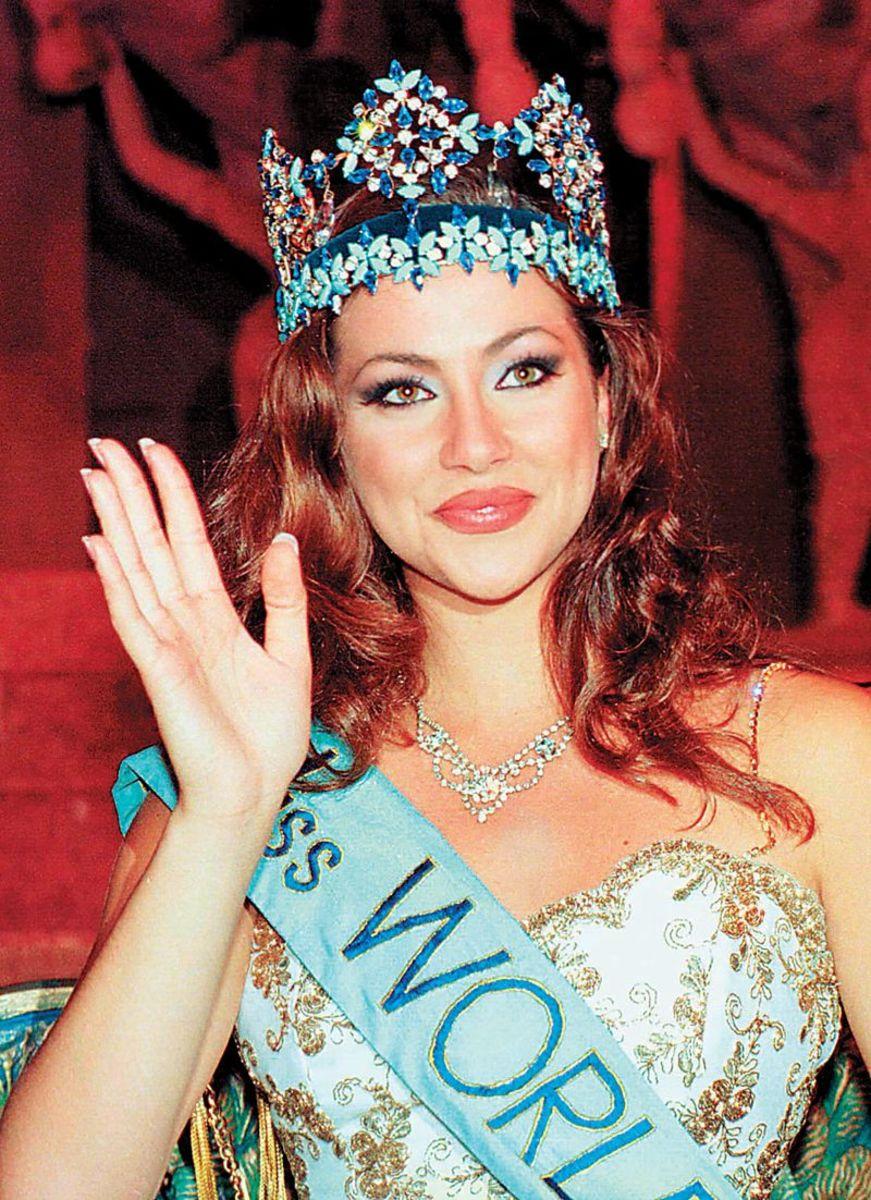 most-beautiful-an-indian-actress-is-divya-bharti