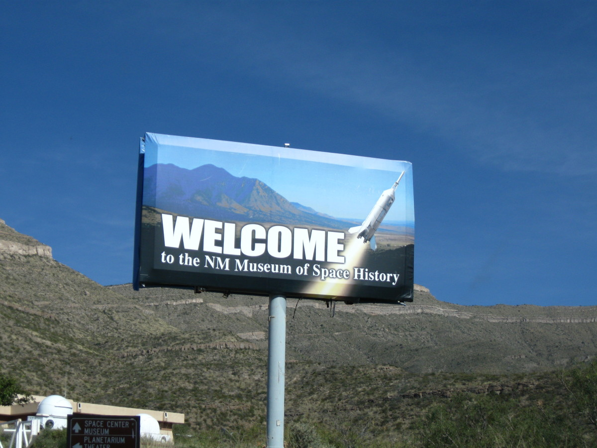 Sign Welcoming Visitors to Museum