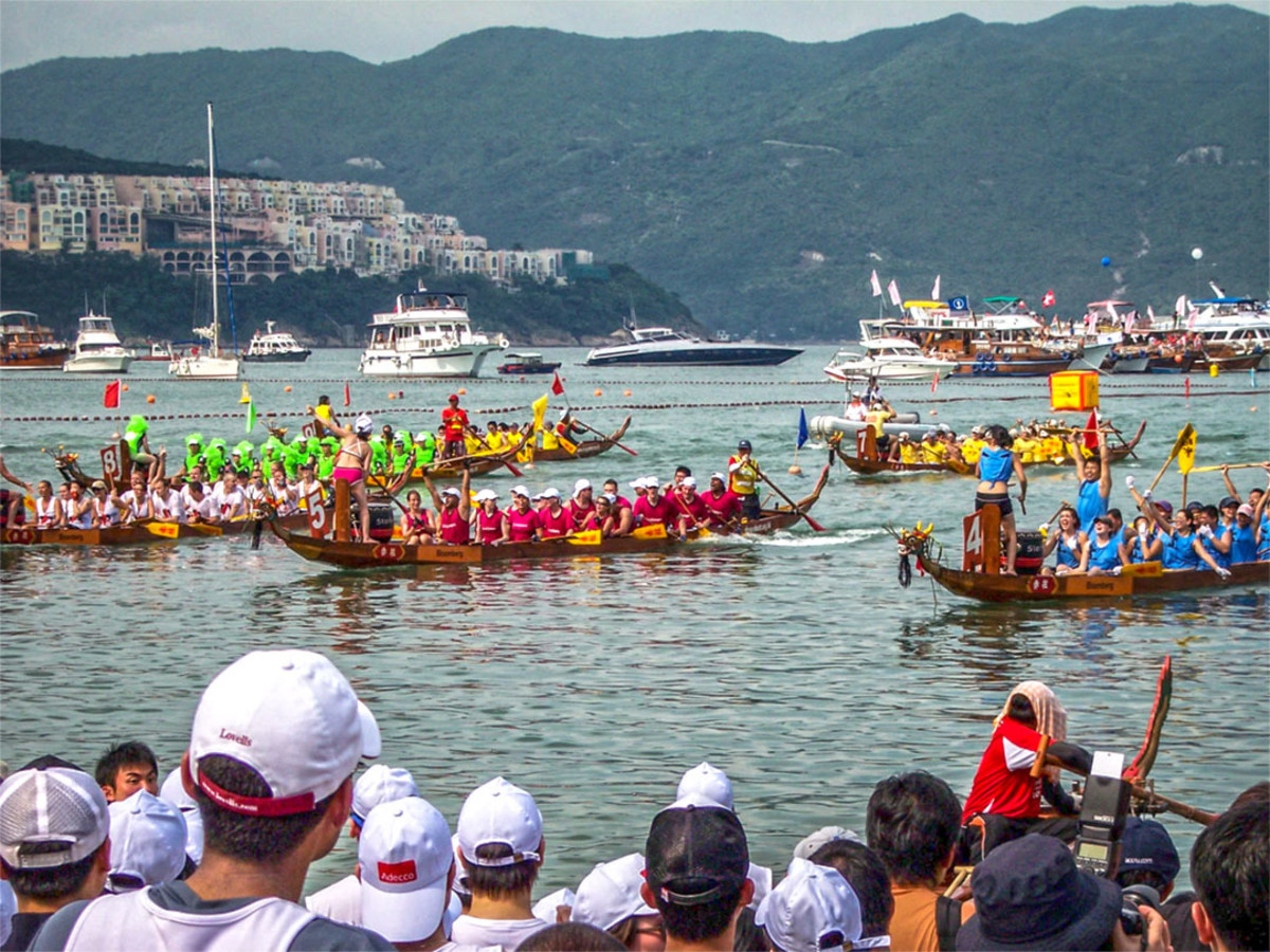 Today, dragon boating is a popular sport throughout the world, with many non-Chinese countries having their own national teams.
