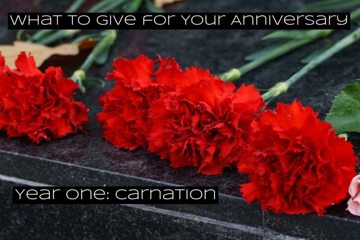 The first year of marriage sets the stage for the years to come. Carnations are one of the most popular flowers. It's the most popular flower for weddings in China.