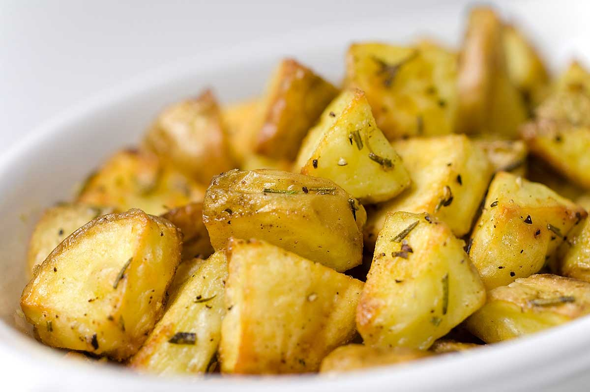How to Cook Potatoes in Greek: Simple, Delicious and Flavorful