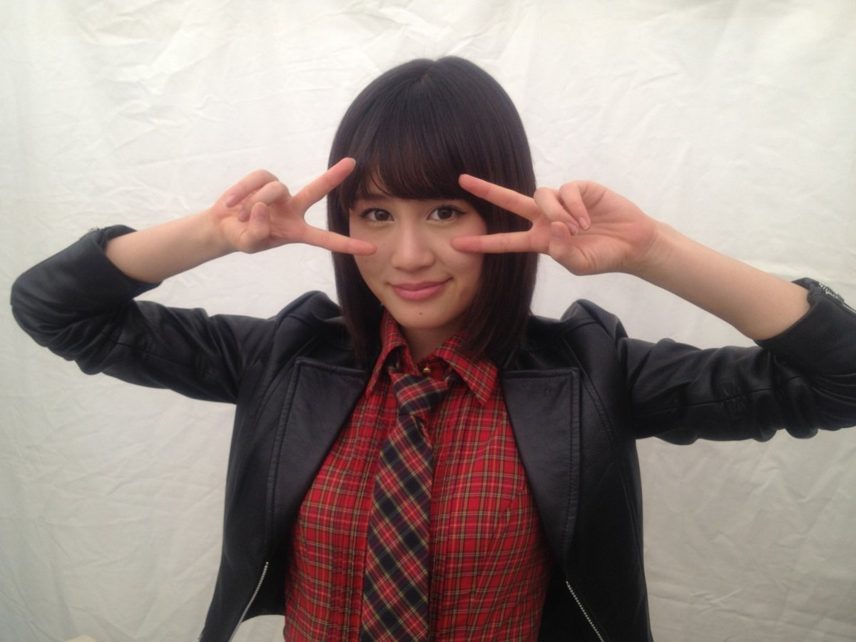 Atsuko Maeda in a business suit? Now that's not something you see everyday right?