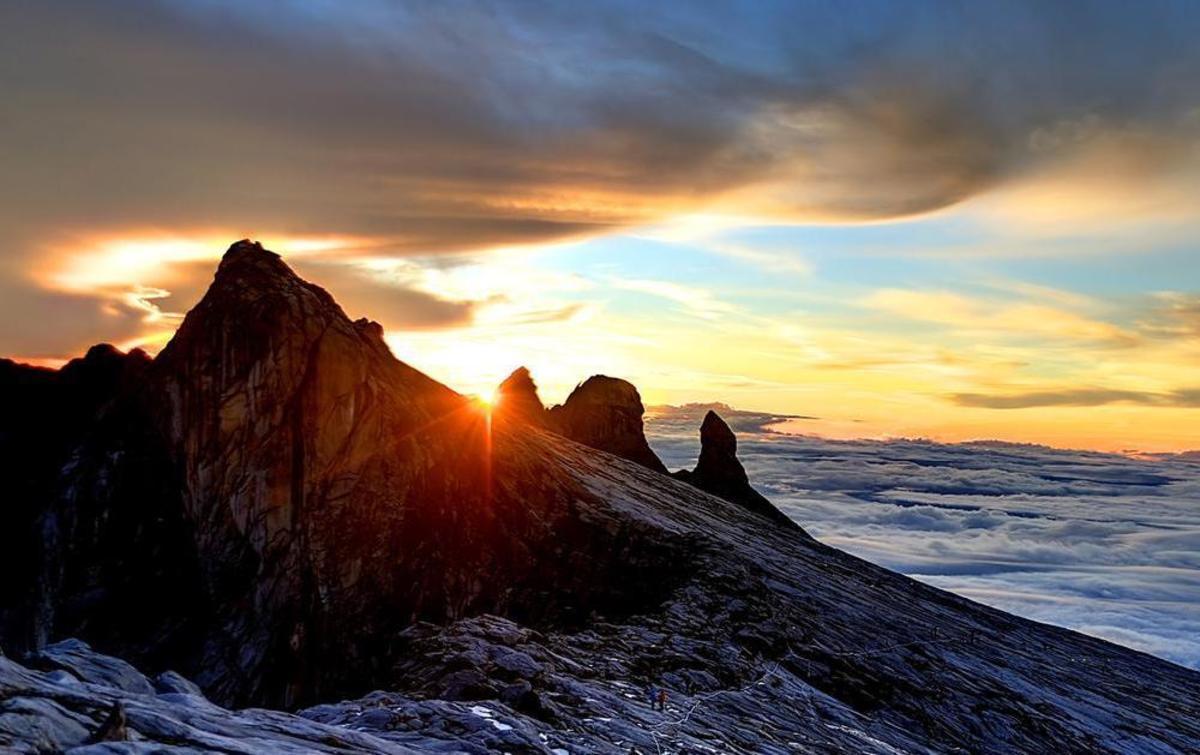 Beautiful sunrise from Mount Kinabalu