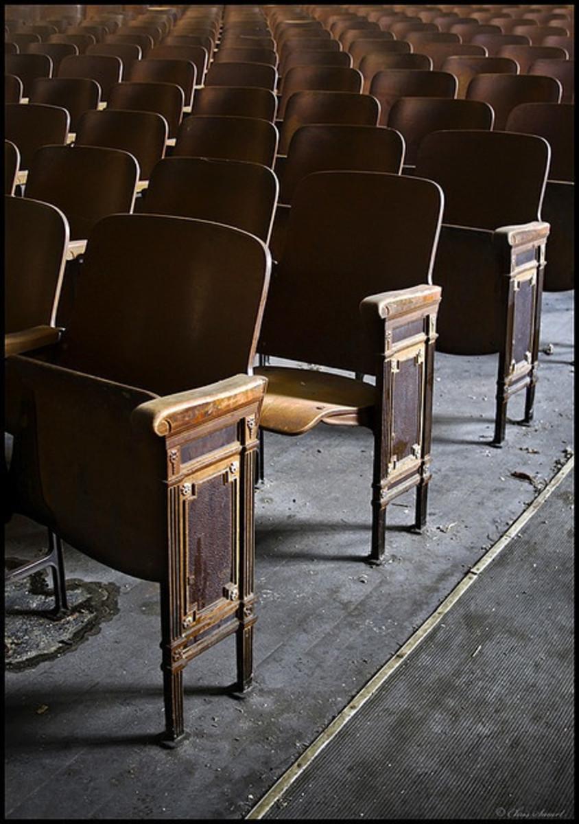 Standard theatre seats were a bit too snug for Mrs. Hollingshead's ample bottom.