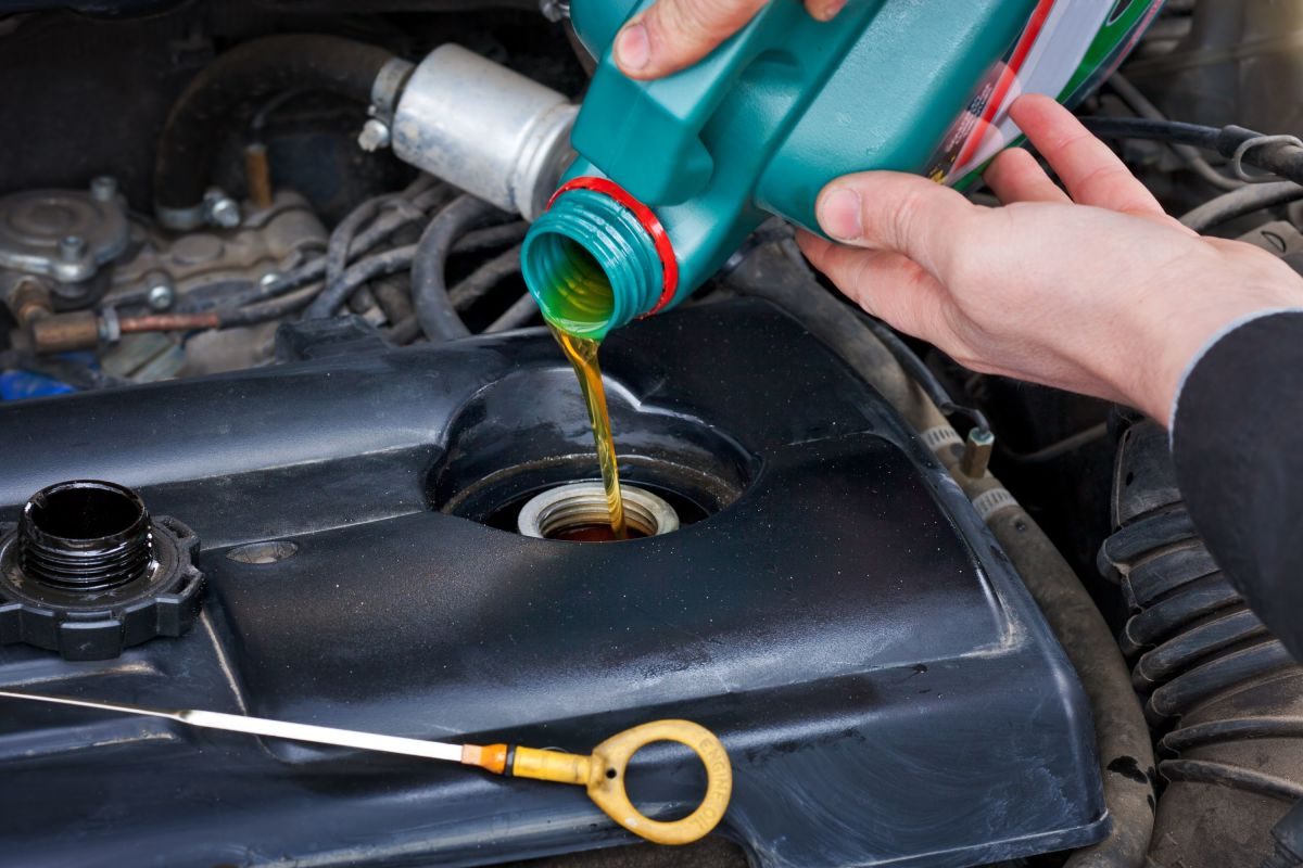 changing-the-engine-oil-in-your-car