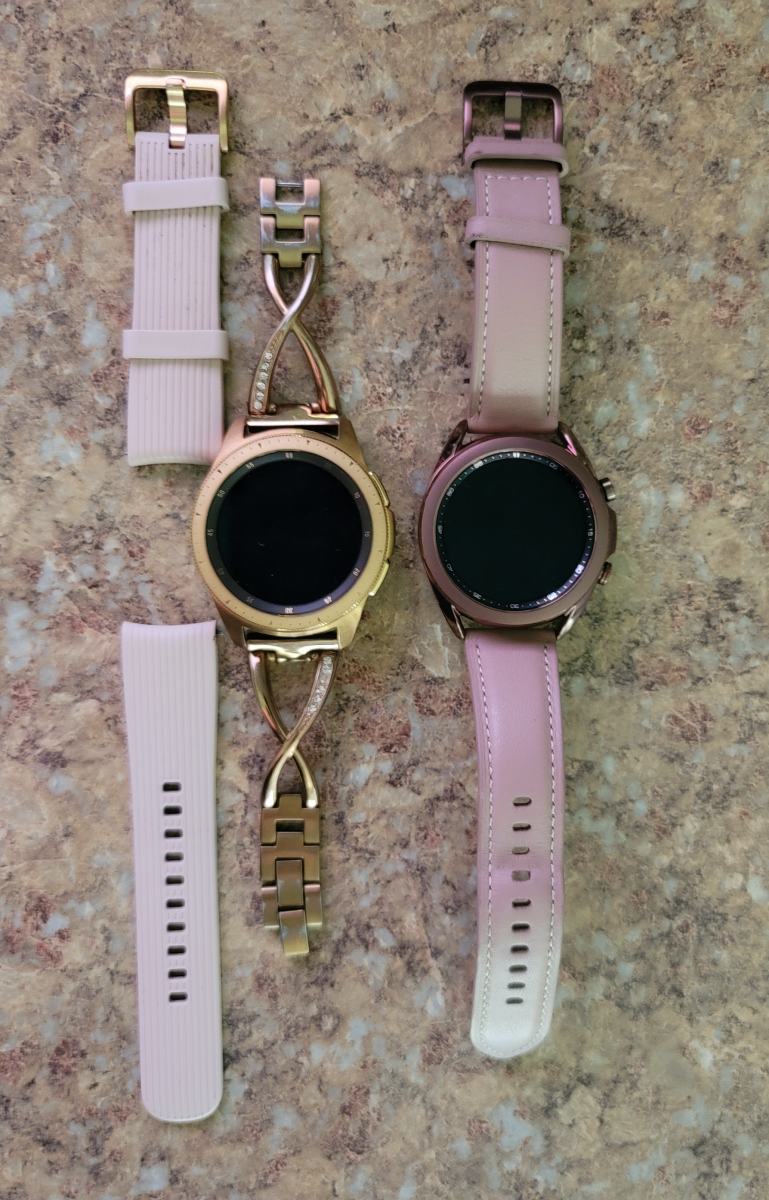 Left: Samsung Galaxy Watch 42 mm with silicone wrist bands. Right: Samsung Watch 3 41 mm
