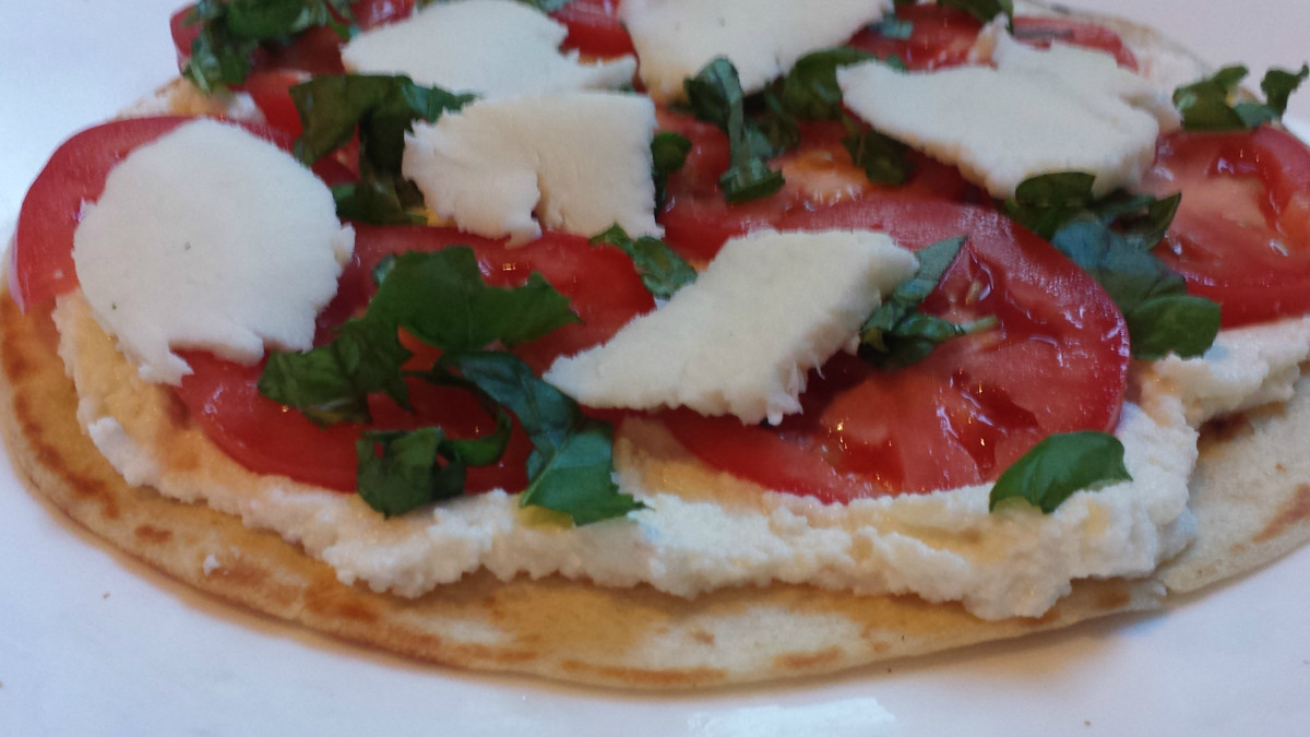 homemade-margherita-pizza-recipe