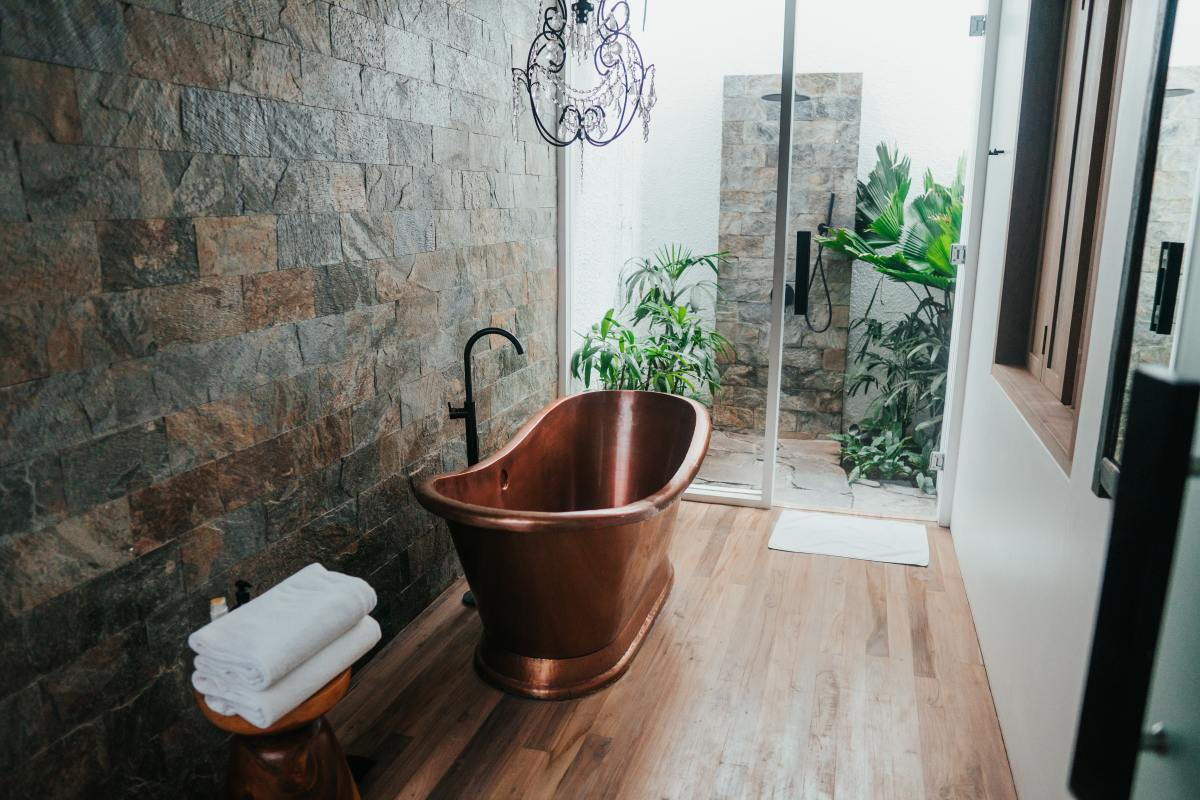 How to Clean and Maintain Your Copper Bathtub