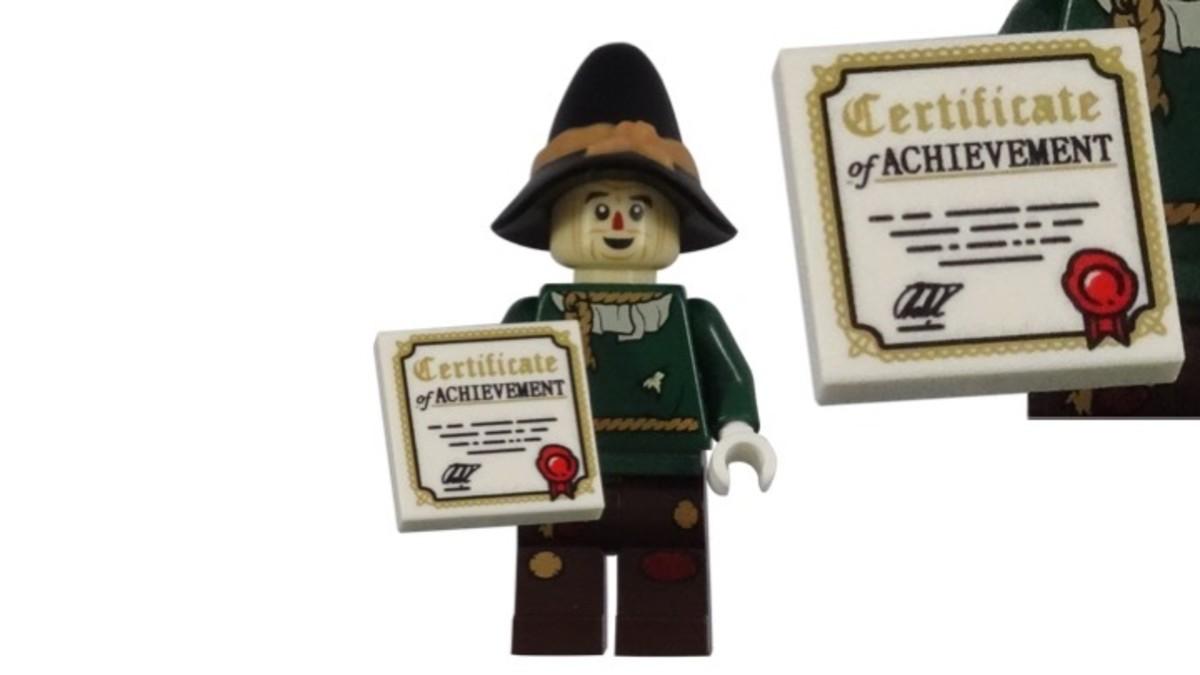 LEGO Scarecrow Minifigure Certificate of Achievment Accessory