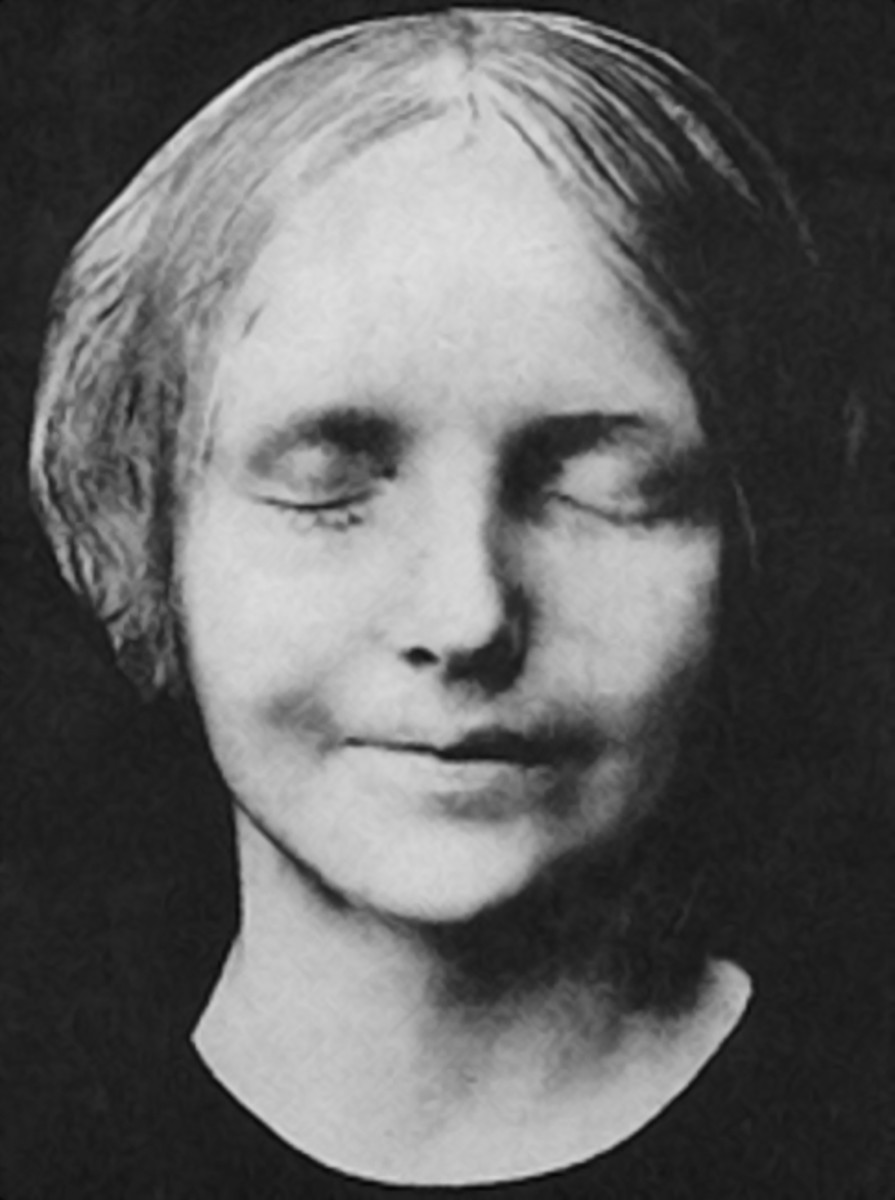 L'Inconnue de La Seine, The Most Morbid Wall Fixture Ever