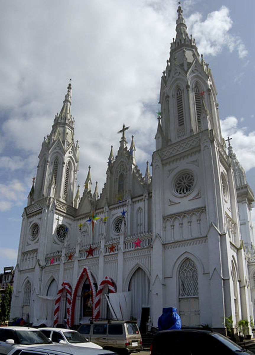 Shrine Basilica of Our Lady of Dolours or Puthen Pally in Thrissur- A Must See Christian Church in Kerala, South India