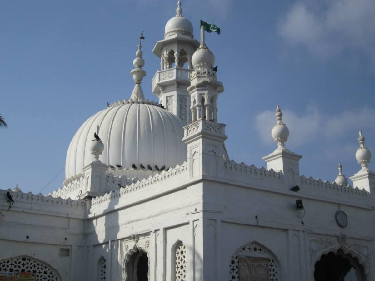 haji-ali-dargah-mumbai-a-religious-monument-of-communal-harmony