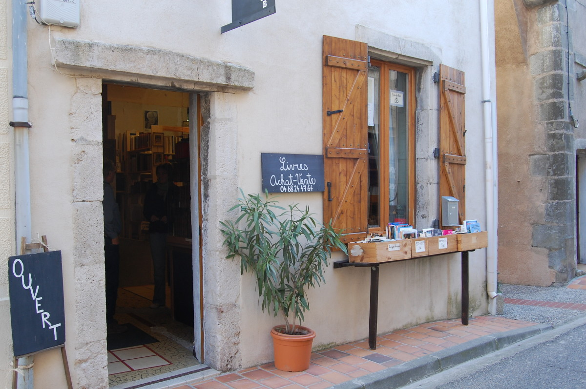 One of the many bookstores in Montolieu