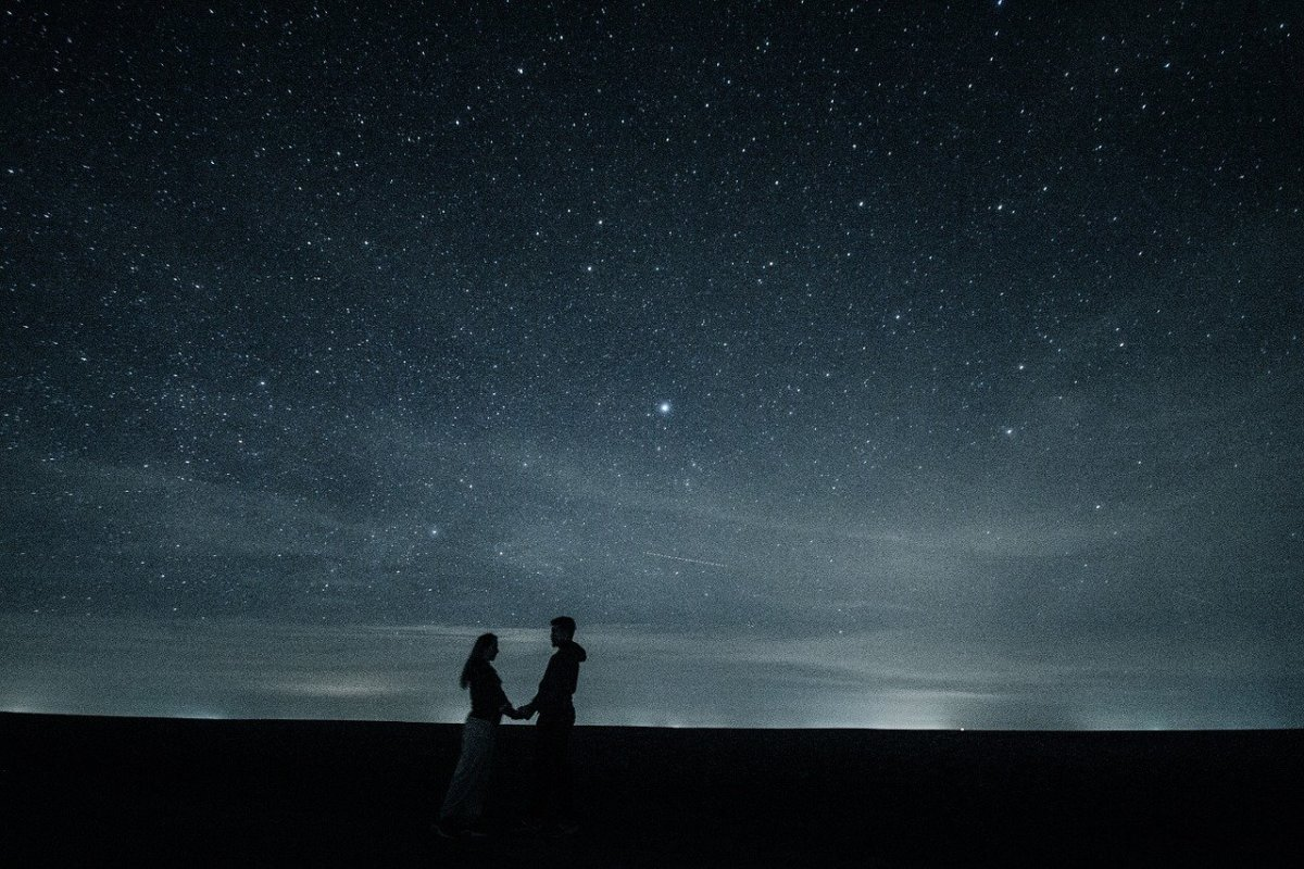 Stars and lovers: Image by Mihai Paraschiv from Pixabay