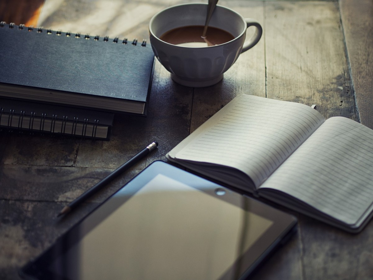 Writing necessities: Image by Edar from Pixabay