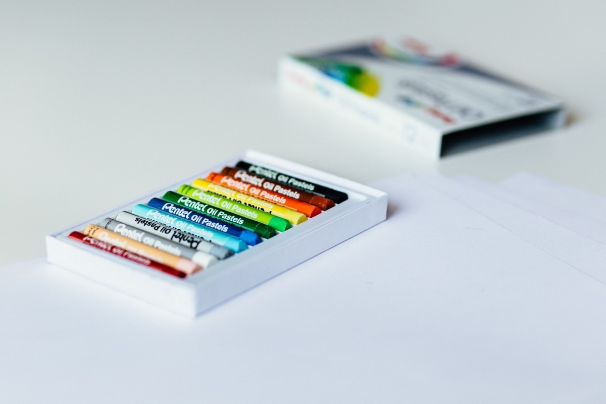 Pastel Crayons: Image by StockSnap from Pixabay
