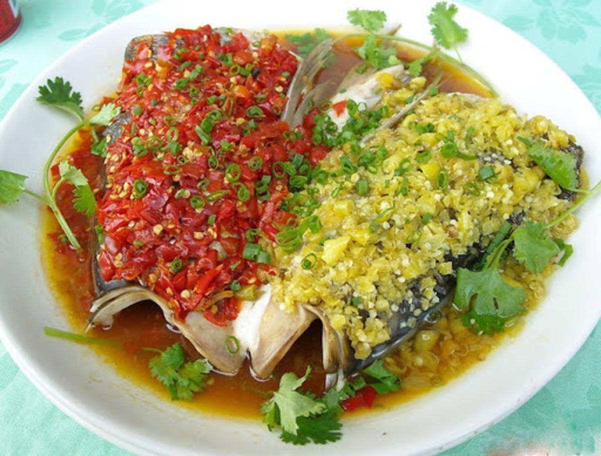 Chop bell pepper fish head