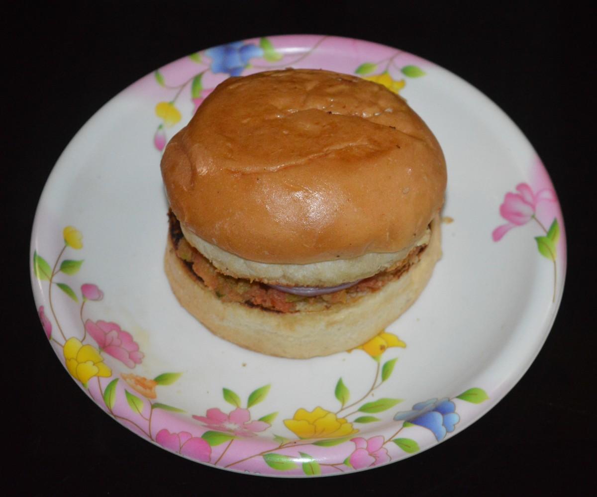Prepare the remaining burgers similarly. Enjoy!