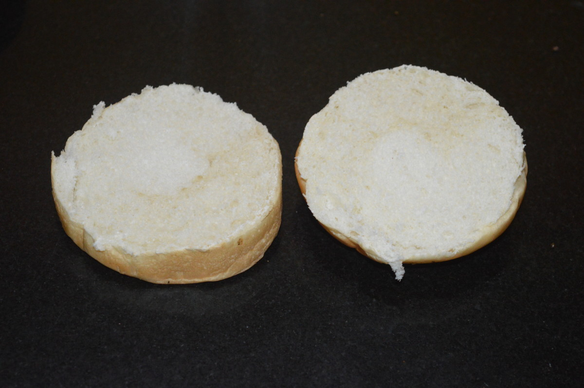 Step five: Slit the burger bun horizontally in the middle.