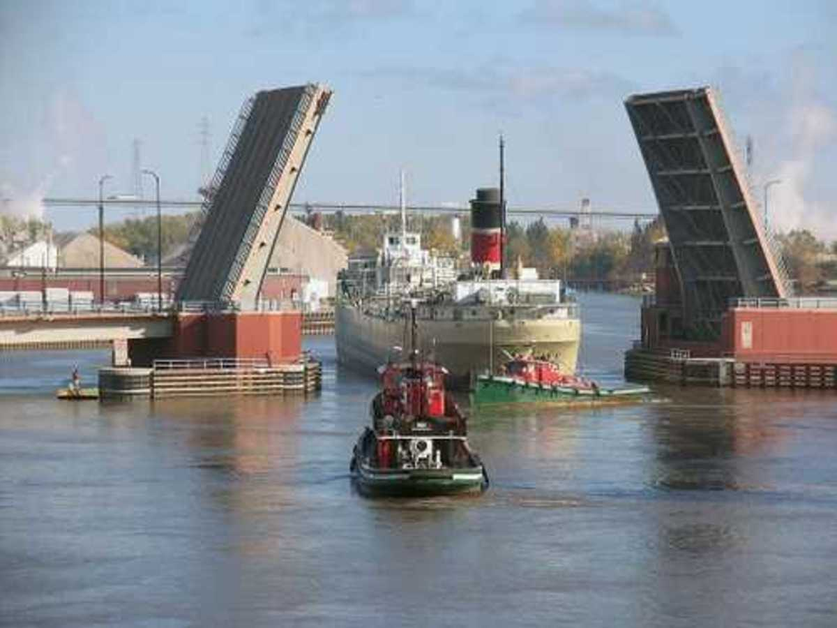 Harbor Operations in Green Bay Wisconsin - Open Bridge and Vessel Transportation