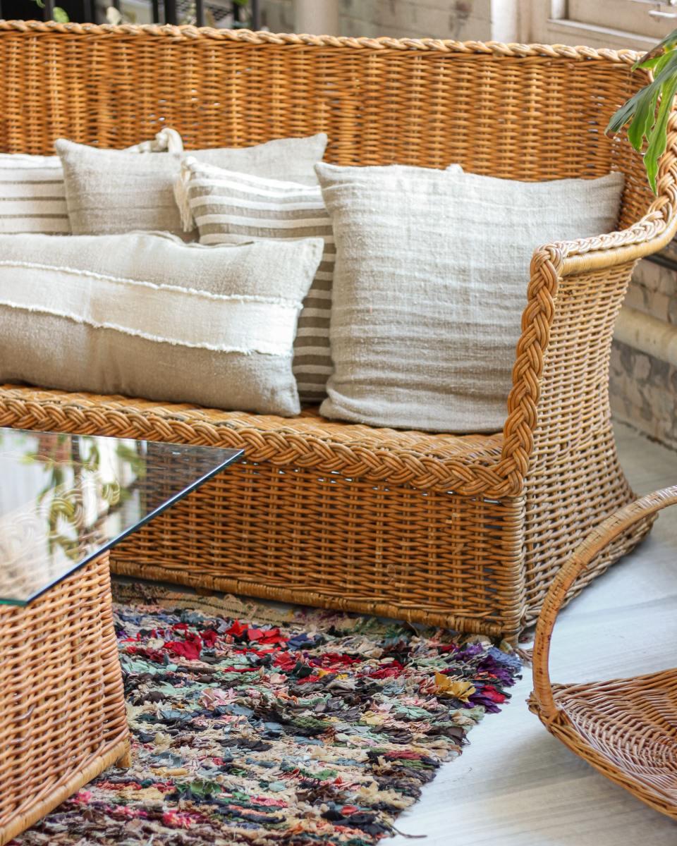 Rattan furniture is beautiful.