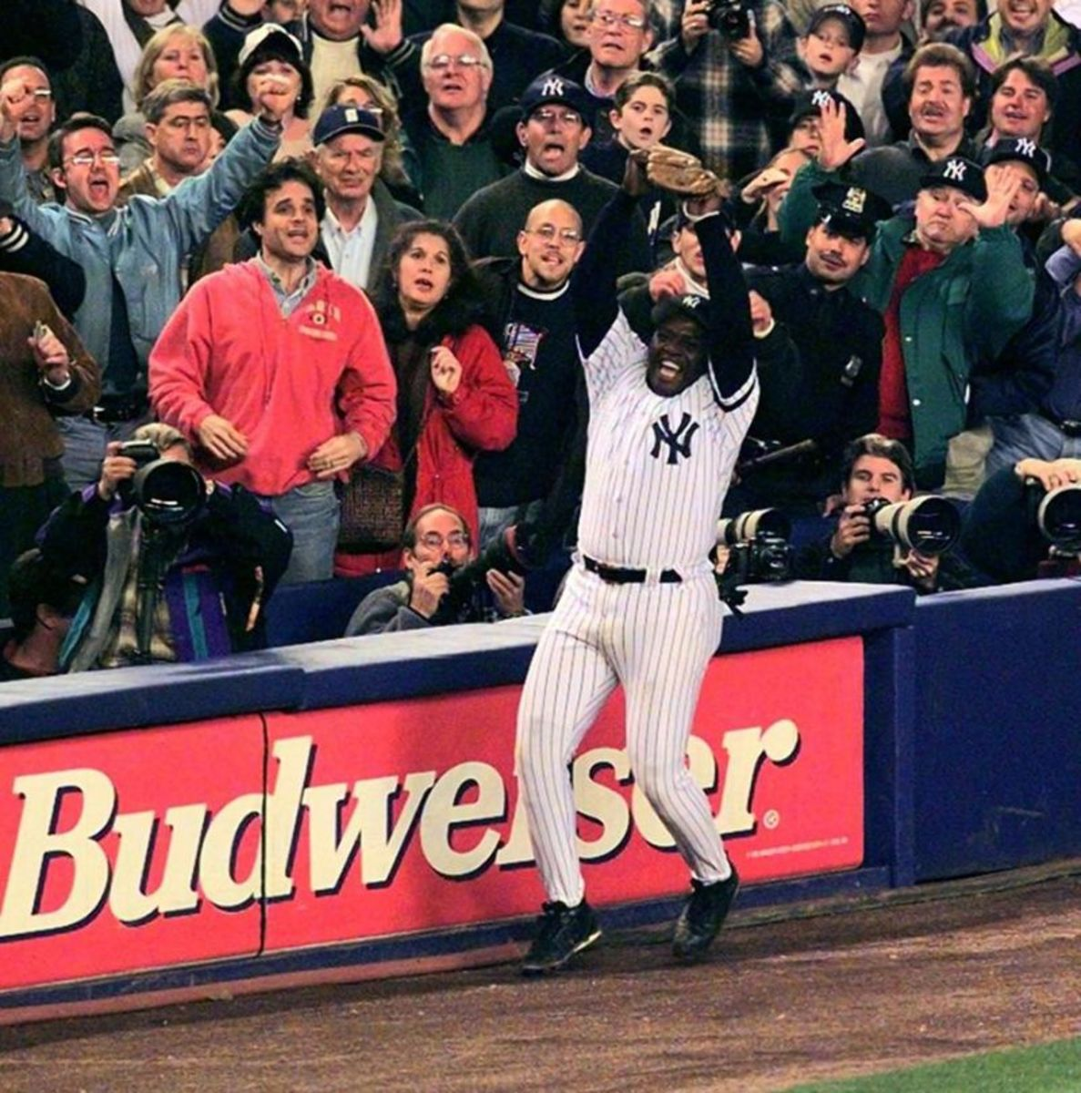 Yankees 3B, Charlie Hayes makes the last out of the 1996 World Series.
