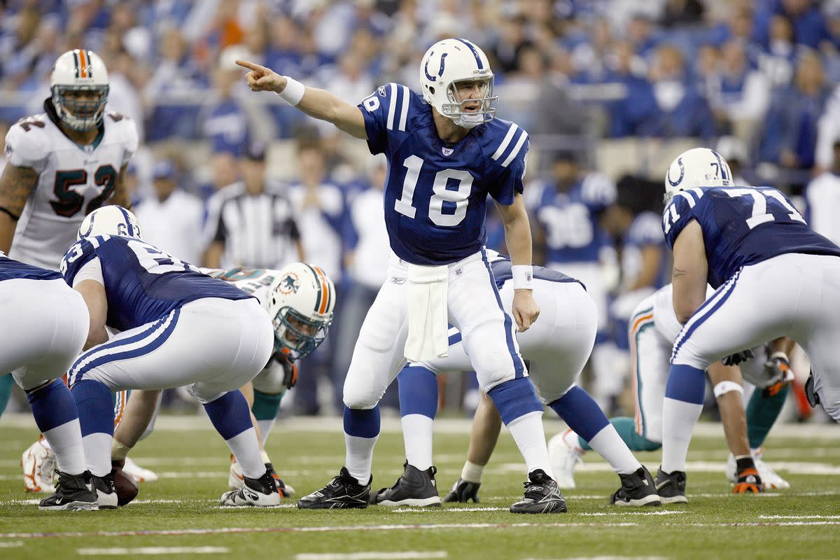 Peyton Manning changes the play at the line of scrimmage.
