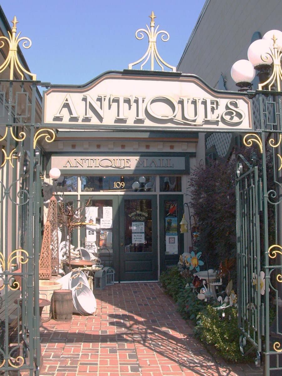 Lewes Mercantile Antique Gallery sells quality antiques and collectibles.