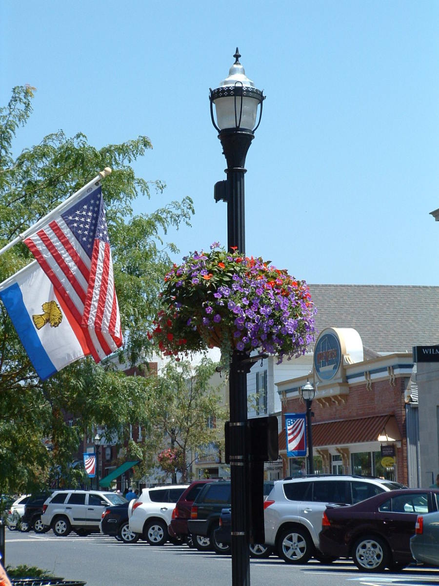 There are many shops along Second Street and the sidewalks are all paved in brick with old fashioned street lights with baskets of flowers hanging from them in spring, summer and fall.
