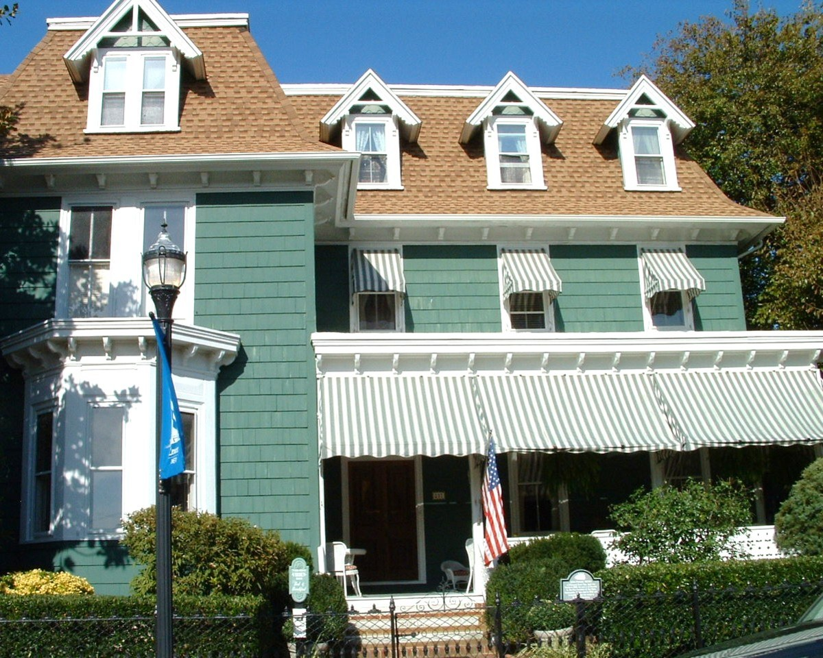 Elegant accomodations in a historic Victorian home. Next picture shows historic marker which is in front of the house.