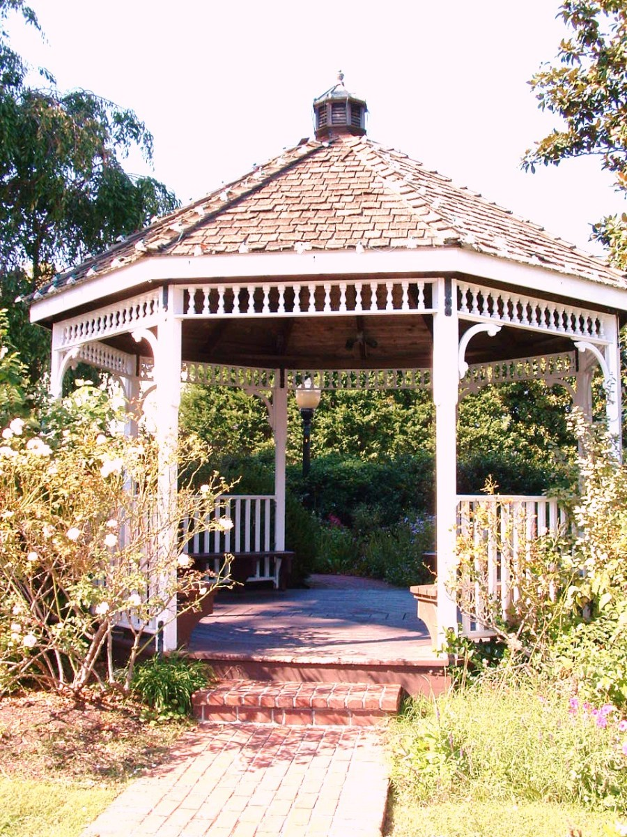 Public gazebo next to restrooms in Mary Vessels Park