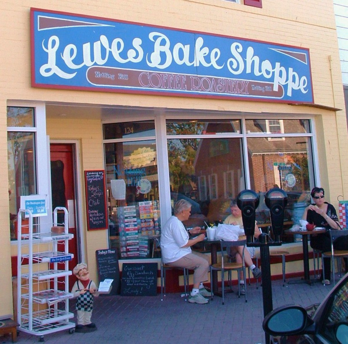 Lewes Bake Shoppe sells fabulous pastries, cookies and bread.