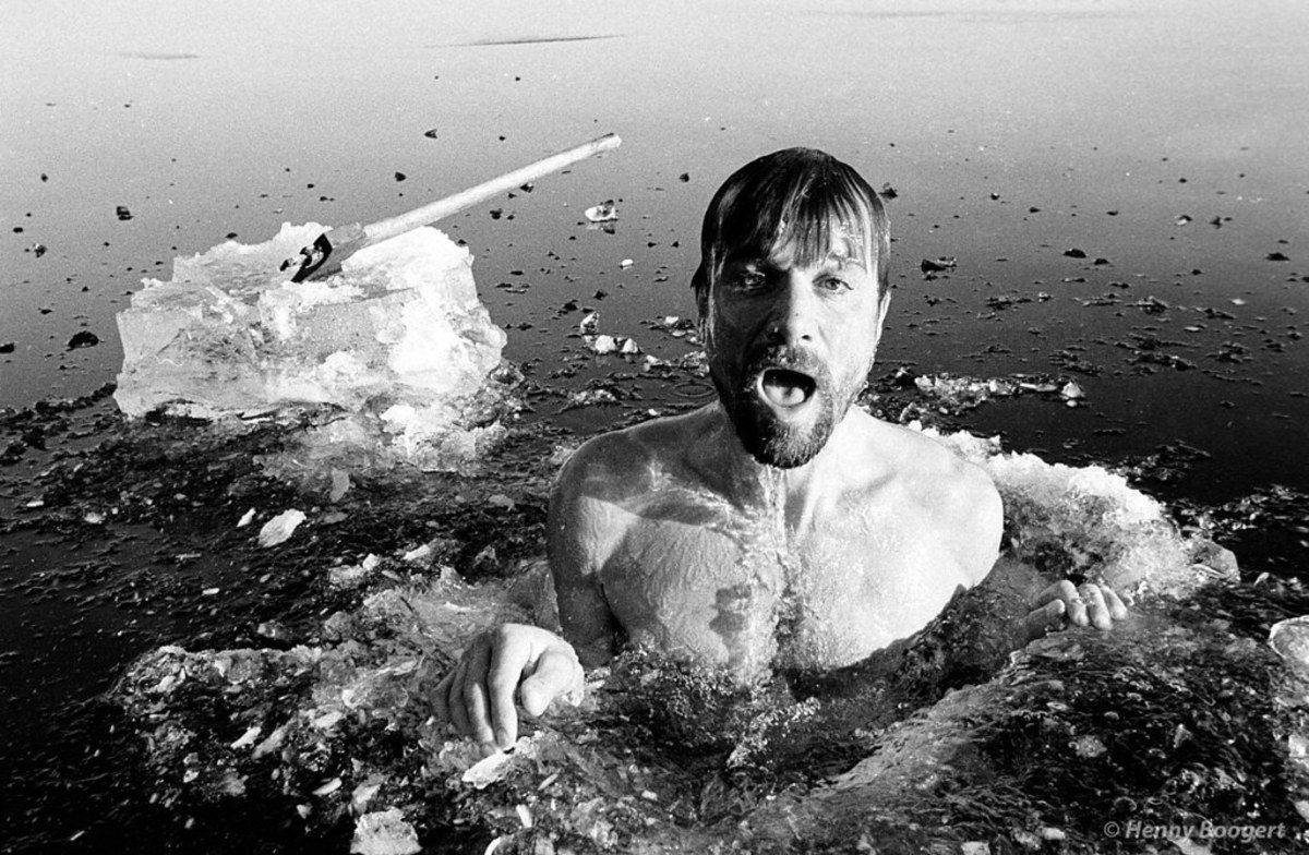 """""""wim-hof-emerging-from-the-icy-cold-water-the-wim-hof-method-photo-credit-henny-boogert"""" by DJANDYW.COM is licensed under CC BY-SA 2.0"""